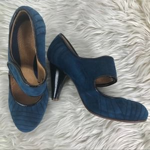 Chie Mihara teal suede Mary Jane velcro pumps